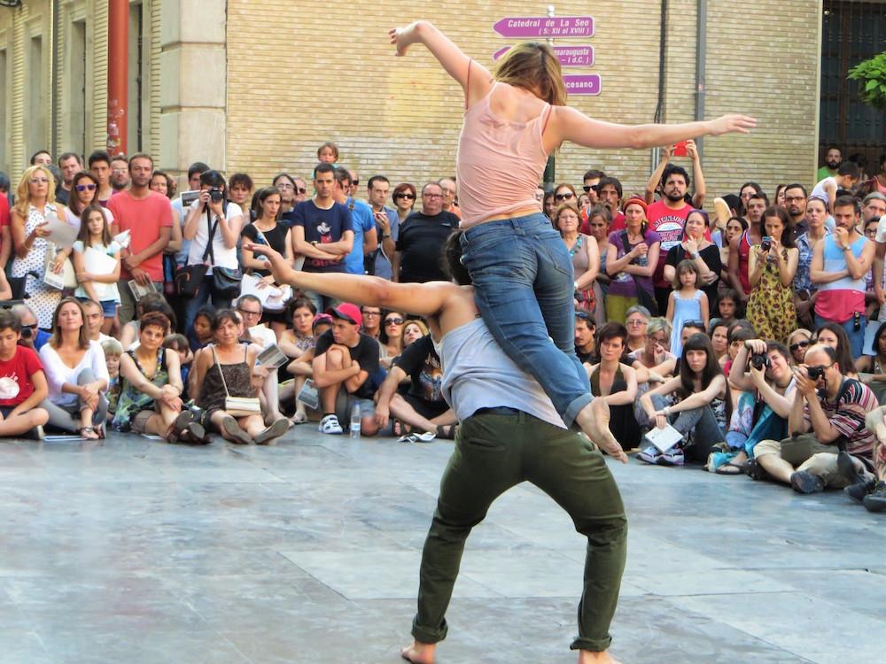 Dos en Paralaje, de Ingrid Magrinyá. Festival Trayectos Danza 2015 (Zaragoza)